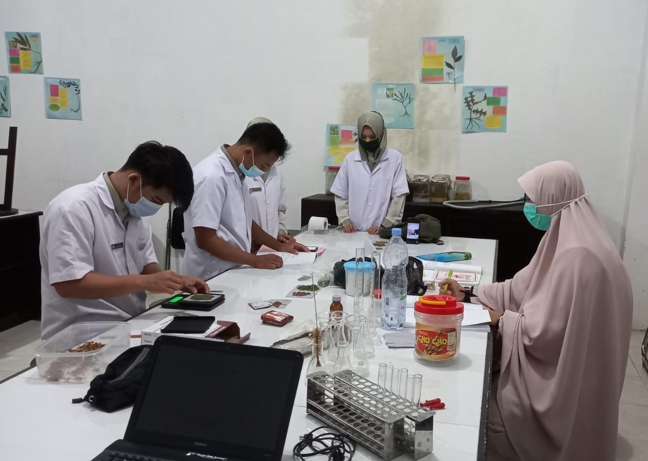 Kegiatan Praktek Mahasiswa Prodi Farmasi di Masa Pandemi